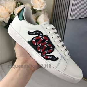 Top-Qualität Männer Frauen Sneaker Freizeitschuhe Chaussures Low Top Turnschuhe aus Leder Ace Bee Stripes Schuh-Stickerei-Snake-Sport-Trainer Scarpe