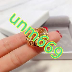 anneau de famille de luxe femme tempérament célébrité Internet 2020 Nouvelle-oreilles anneau CD lettre dior bijoux