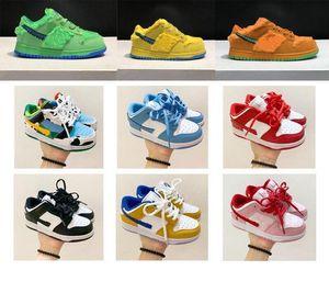 2020 nuevos zapatos de baloncesto Dunk SB Chunky Dunky JumpMan baja Niños cuero del diseñador Tamaño helado Niño Niña monopatín zapatillas de deporte 24-35 ruf8 #