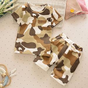 Moda verano del bebé 2pcs pequeña fiesta Ropa Boy juegos de los cabritos muchachos del niño Ropa de la camiseta + pantalones militry Equipos Conjuntos
