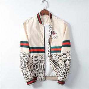 2020 do New Men Outono Camouflage Jacket com capuz Abelha pequena dos homens de jaqueta corta-vento de Homens Zip Jacket Tamanho Grande
