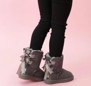 Envío gratis Niños Bailey 2 arcos botas de cuero niños pequeños botas de nieve sólidos botas de nieve invierno niñas calzado niños botas para niñas