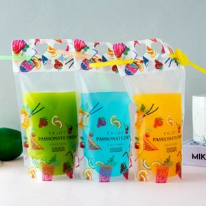 Padrão 500ml Fruit Drink Plastic Packaging Juice Bag Bolsa para bebidas Leite Café, com alça e furos para Straw EEA2011