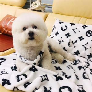 Teddy Bulldog Kadife Yastık Set Kış Sonbahar Evcil pijamalar Son Baskılı Yumuşak Dokunuş Pet Battaniye Doğum Hediye