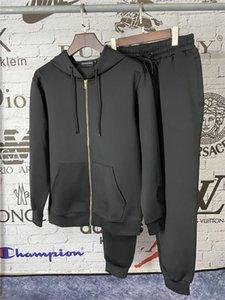 NUOVI Mens Autunno Inverno progettista degli uomini Felpe con cappuccio Set Tuta Mens Sweat vestiti di nero solido di colore 2pcs cappuccio e vestito di sport Set