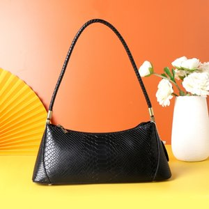 9001#Hot fashion retro leather handbags trend Korean niche cowhide baguette armpit dumplings bag women