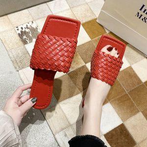 Women Sandals Slides Women Shoes Summer Fashion Weave Leather Flat Slippers Outside Sandals Casual Flip Flops Beach Shoes Womens Loafe VUz1#