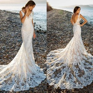 2020 Sexy Boho Lace Mermaid Wedding Dresses Straps Backless Long Train Bridal Wedding Gowns V Neck Beach Bride Dress Robe de mariage
