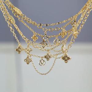 Europe Amérique du style Parures Lady Femmes Glands Fleur V Initiales Blooming Double Strass Collier Bracelet Boucles d'oreilles Ensembles M68374