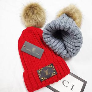 Marque d'hiver Femme fourrure chapeau Pom Poms Chapeau d'hiver pour les femmes Girl « s Chapeau tricoté Bonnet épais femmes Skullies Beanies