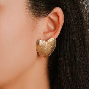 Trendy new peach heart earrings exaggerated atmosphere metal matte retro earrings fashion trendy jewelry wholesale