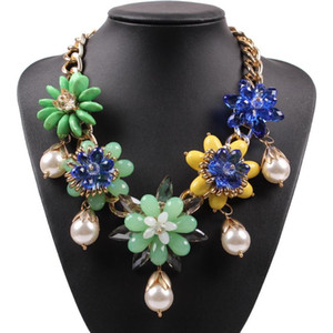 2020 New Latest Design Elegant Gold Color Chain Colorful Flower Resin Crystal Pearl Pendant Women Necklace Ladies Jewelry
