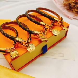 19cm amour de la modeLouis Bracelets en Louis Vuitton monogram cuir pour hommes garder Femme Concepteurs Couples serrure V bracelet fleur bijoux Bracelet modèle il qQy4 #