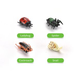 Simulation Crawly Insect Action Figures Funny Spider Snail Cockroach Ladybird Novelty Gift Lifelike Kids Educational Toy