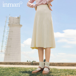 INMAN 2020 Autumn Winter New Arrival Literary Fashion Pattern Embroidery Retro Solid Color Knitted Elastic Waist Skirt