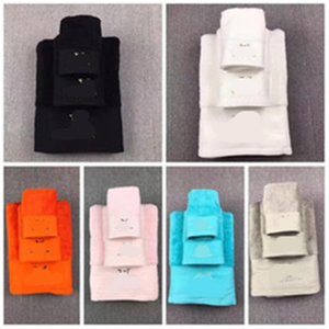 Moda Hediye Kutusu ile En Çok Satan 6 Renk Classics Havlu Yüksek Kalite Pamuk Havlu 3PCS Setleri Otel Banyo Havlu Suit