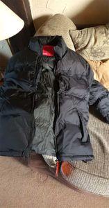 Mens Jacket Brasão com bordados Estilo Jackets Windbreaker Esporte casacos quentes roupa para baixo de inverno de espessura