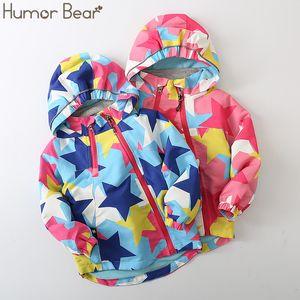 Humor Baby Bear Moda exterior Velvet Jacket Estrela completa Impresso Crianças Jacket Modelos outono e inverno meninas com capuz roupas