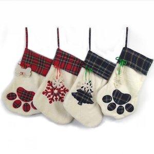 Perro de mascota de Navidad calcetines a cuadros de la pata de la media del copo de nieve del árbol de Navidad Printting colgando colgante Chimenea de Navidad bordado Decoración LJJP467