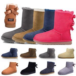 boots حذاء نسائي من الجلد على الموضة لعام 2020 حذاء نسائي كلاسيكي للكاحل حذاء كاحل كستنائي رمادي أزرق وردي حذاء خارجي فرو للثلج والشتاء