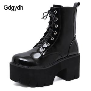 Pelle Gdgydh donna pizzo autunno stivali delle signore grosso della piattaforma del cuneo verniciata nera Stivaletti punk di Goth di nuovo arrivo 200918