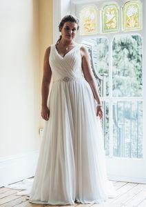 2020 Plus Size Boho Chiffon Wedding Dresses A Line Straps V Neck Floor Length Bridal Gowns Simple Beach Long Bride Wedding Dress