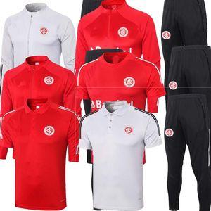 2020 2021 SC futebol internacional Training terno 2021 kamitas de Bruno Silva. Lopez Guerrero, homem, camisa vermelha Formação de Futebol