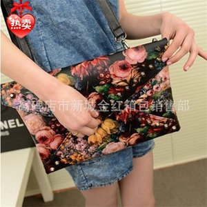 New fashion shoulder Women's magazine small oil painting dinner envelope clutch Bag