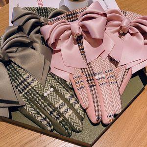 mujeres guantes de otoño e invierno nueva de doble capa corbata de lazo de lana dama de felpa de terciopelo chica dedo guantes de tela escocesa de la cachemira cálida marea