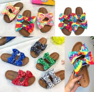 Renkli Baskı Ayakkabı Çift Big Bow kadın tasarımcıların sandalet platformu slaytlar luxurys sandales terlik yaz plaj banyo ayakkabıları D9706 Tie-boya
