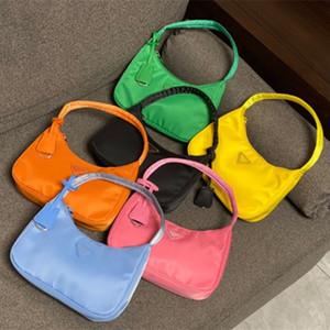 Réédition 2000 Top qualité wholesale Fourre-tout en nylon cuir messager épaule Designer de luxe sacs à main sac à main de femmes Sacs à bandoulière