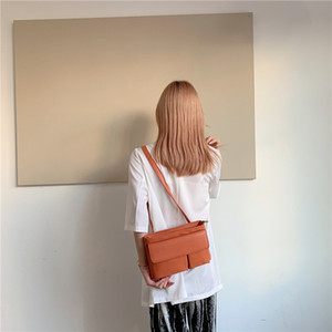 Luxurys Bag Small Women All-match 2020 Fashion Designers Bags Massenger Ins New Style Sense Messenger High For Girl Mnwbm