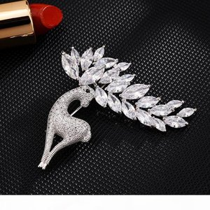 Crystal Cubic Zirconia Brooche Cute Deer Christmas Brooch for Women Men Elk Animal , Lady Accessories For Any Place