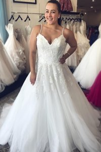 Charming Spaghetti Straps Bride Dress Pretty Lace Appliques Beads A-line Long Wedding Party Dress Custom Made