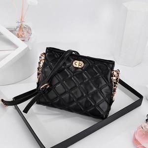 2020 girl Women handbag Fashion Chain Magneti designer luxury handbags purses Casual Shoulder Messenger Bag cross body bag 169