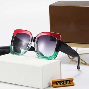 2020 new 2258 Oversized Quadrado Preto Mulheres Sunglasses Novo com etiquetas caixa de cor Mixed brilharam Gradiente extragrandes Praça Sunglasses