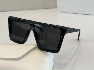 3201 Popular Sunglasses Fashion Cat Eye Frame Sun glasses Set with diamonds and rivets Design Eyewear Come case