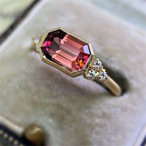 Exquisite Fuchsia Red Stone Wedding Rings for Women Gold Color Red Cubic Zirconia Rings Engagement Jewelry Gifts