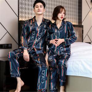 Été soie Couples Pyjama Set à manches courtes Fleur Imprimé de nuit Les hommes et les femmes en vrac style simple Accueil Costume Pjs femmes Y200708 # 684