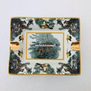 Gute Qualität Keramik Tiermuster Zigarre Aschenbecher Porzellan Aschenbecher Zigarre Luxurious 2 Halter Zigarre Aschenbecher Home Desk Decor Festival-Geschenk