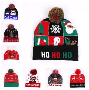 عيد الميلاد LED بيني القبعات الشتوية ليلة الخفيفة قبعات سانتا كلوز ثلج الرنة الأيل المهرجانات قبعات ذات الشعر الكرة الكروشيه قبعة قبعات D9908
