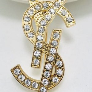 Donne strass Lettera oro spilla spilla in argento Lettera Suit Jewelry Lapel Pin regalo per l'amore Girlfriend
