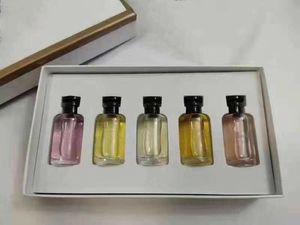 LES PARFUMS IV Señora del perfume 10ml 5PCS Milla feux Contre moi Rose des Vents Apogee 5 Olor Parfum Kit de alta Quaity