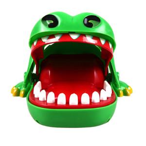 Cocodrilo clásico Bite Juguetes para atrapar a los niños dentista juego me Flashing regalos de los ojos risa malvada niños de juguete