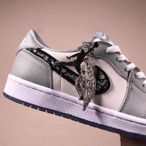 ar 2020SS oblíqua sapatos altos X AJ Retro 1 Zoom R2T Racer azul com o logotipo Homme X Kaws casuais tênis de basquete Sneakers EUR 36-46