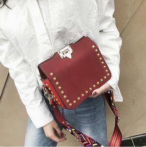 تحمل حقائب جديد ساعي البريد حقيبة متعددة الاستخدامات برشام ريترو ساحة حقيبة صغيرة رسول حقيبة للمرأة