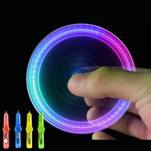 Interessante Spielzeug Fingertip Rotating Spinner Gyro Spielzeug-Feder LED-Leucht-Gyro-Feder-Büro ADHD EDC Anti Stress kinetischer Schreibtisch Spielzeug