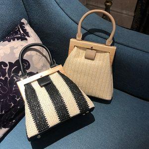 Vintage Wooden Clip Women Handbags Straw Bags Rattan Shoulder Crossbody Bag Wicker Woven Summer Beach Purse 2019 ssV2#