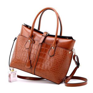 2020 New Briefcase Female Bag European and American Fashion Crocodile Handbag Fashion Shoulder Oblique Cross Big Bag