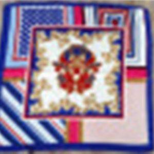Especializada em vendas e na produção de impressos de poliéster Grande Satin Scarf Imitação Praça Silk Toalha